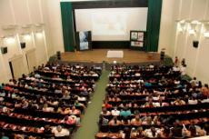 Visão panorâmica do Cineteatro na ocasião da palestra